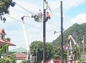 ASPA crew installing a new street light