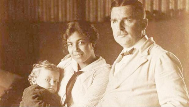 Max Bartel and his Samoan wife Christine 'Tine' Kruse and their baby son, Gunther, is one of the photos found in a new book containing photos dating back to when many Germans lived in Samoa, recently released in Apia. [Photo: BARTEL-KRUSE PHOTOS via RNZI]