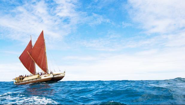 The Hawaiian voyaging canoe, Hōkūle'a, set out on a trip around the world in 2013 to promote traditional sailing techniques and marine conservation. [photo: 'Oiwi Tv / Kaipo Ki'aha]
