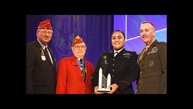 """(l-r) American Legion National Commander Dale Barnett; Hershel """"Woody"""" Williams, Medal of Honor recipient; US Navy Petty Officer Second Class, Levetina King; and General Joseph F. Dunford, Chairman Joint Chiefs of Staff — pictured Tuesday during the American Legion's Spirit of Service Award ceremony in Cincinnati. King, a native of American Samoa, received the Spirit of Service Award in """"recognition of her extensive volunteer efforts."""" [photo: Lucas Carter/The American Legion]"""