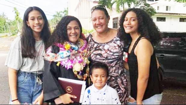 Isa-Lei is pictured with her sisters, brother, and mom, Divine.