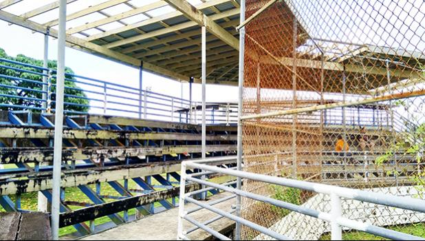 Condition of Solaita baseball stands