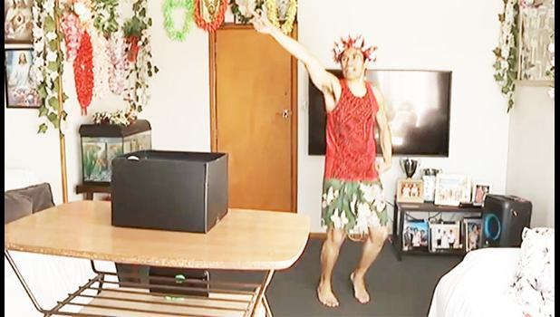Suli Tuitaupe dancing