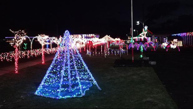 Christmas lights at Nuuuli