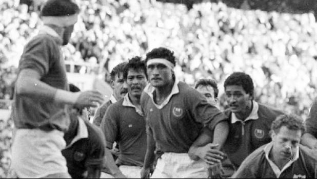 1988 photo of Su'a Saini Lemamea in action