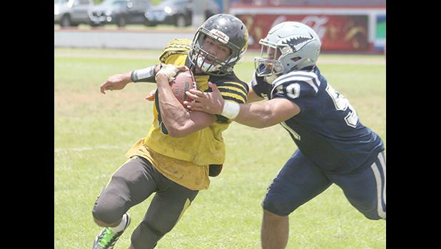 Nu'uuli Wildcats punt returner bringing this one to the sidelines