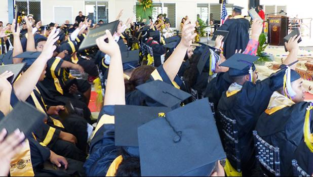 Nuuuli VocTech High School grads