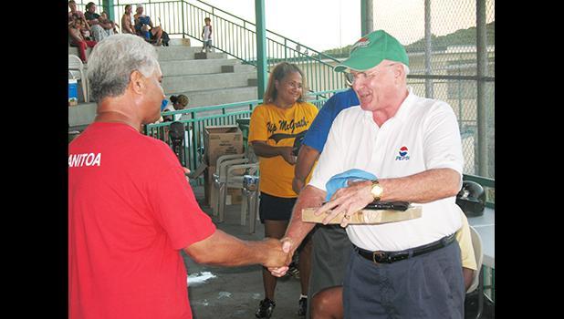Larry Sanitoa (L) and David Robinson