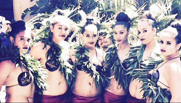 Historical archive photo of Samoan dancers
