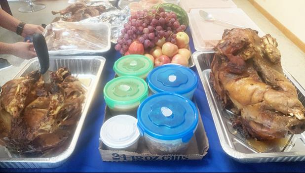 Samoan popular food such as taro, and baked puaa, and palusami;