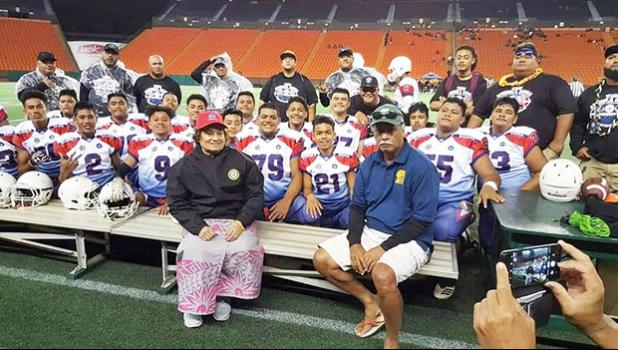 Amata with Team Amerika Samoa