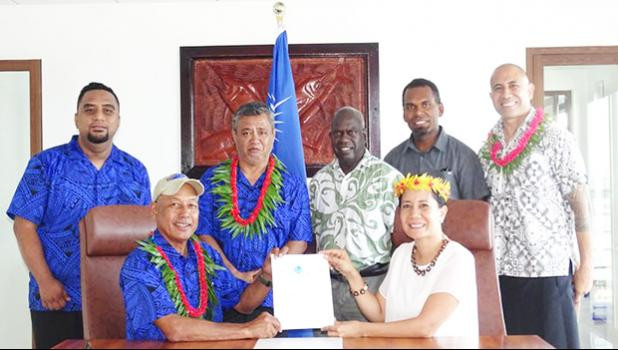 Marshall Islands fisheries Minister Dennis Momotaro and Forum Fisheries Agency Director General Dr. Manu Tupou-Roosen and others