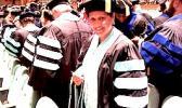 Fa'aletino Sala Roberts faauu mai le Capella University  [ata foai]