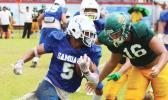 Samoana Sharks Marcus Samia storming down field